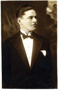 Portrait photograph. Photographer: I. N. Japundžić
